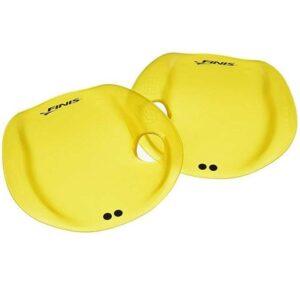 Manoplas para natación en piscina innovadoras