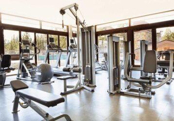 Para qué sirven las principales máquinas del gimnasio: guía rápida